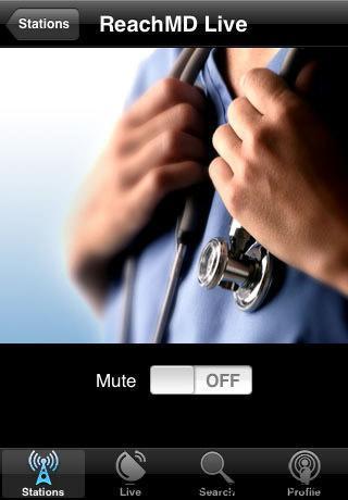 imagen de un iPhone con un médico y estetoscopio en pantalla
